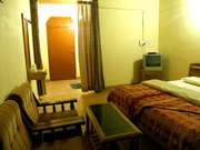 Budget Accommodations and Dining near Nanda Devi Mountains