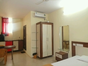 BUDGET HOTEL WITH A/C,  BREAKFAST FOR RENT cvvv