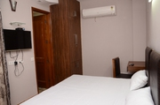 Studio Service Apartment Near okhla